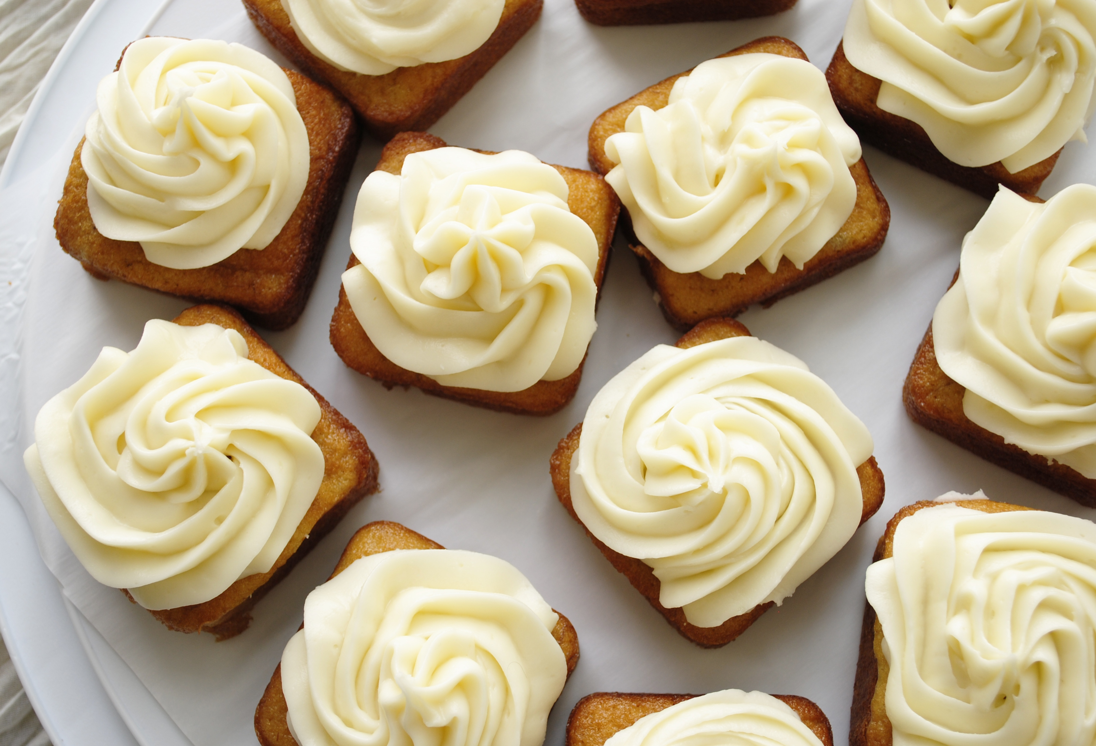 Mini-Banana-Cakes